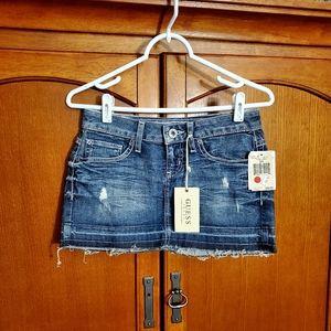 💙 Guess Jean Skirt. NWT.